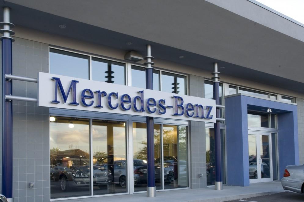 Mercedes benz of elmbrook madisen maher for Mercedes benz elmbrook